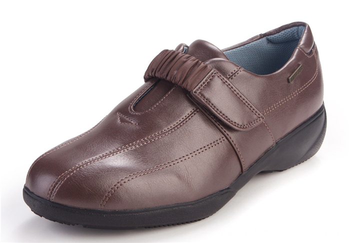 imported light weight material casual shoes