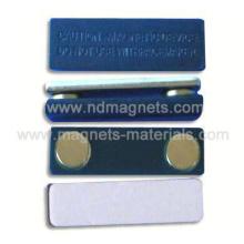 Insignias magnéticas con cubierta de plástico