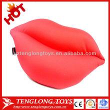 2015 новый дизайн популярные сексуальные декоративные красные губы формы мягкие подушки microbead
