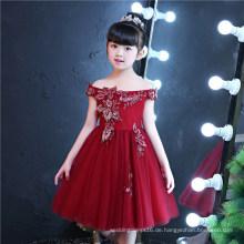 Schulterfreies Stickerei-rotes Blumen-Mädchen-Kleid