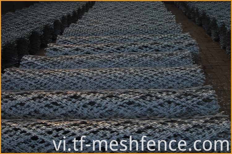 welded concertina razor wire mesh 2