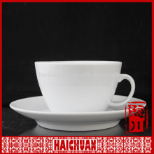 Healthy durable oven safe white porcelain coffee cup and saucer