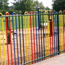 Roll top fence with 12cm inner pile distance