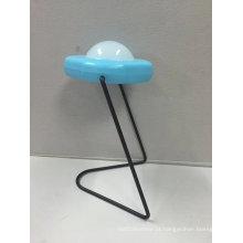 Luz solar da lâmpada do diodo emissor de luz da tabela da mesa do projeto do UFO para a leitura do estudante