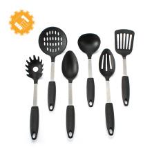 utensílios de cozinha e usa conjunto de utensílios de cozinha