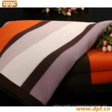 Специальное мягкое одеяло отеля