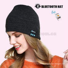 Venta al por mayor 100% de acrílico bluethooth beanie gorras de música tejidas auriculares micrófono inalámbrico Mic