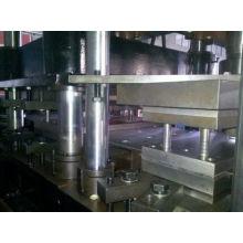 Fabricant de machines à former des rouleaux à barres routières galvanisées W-Beam pour Indonésie