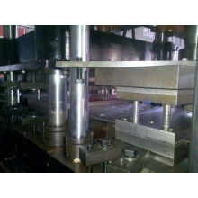 Gavanlized Acero W Beam Guardrail Roll Formando Bosj en Australia