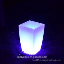 Estilo de Europa LED maceta de plástico al aire libre iluminar el estado de ánimo Led florero ligero