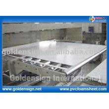 Hoja sacada PVC blanco / coloreado de alta calidad