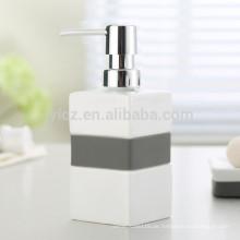 Seifenspender aus Keramik mit Kunststoffpumpe und Silikonband