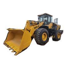 Tractor 4 ruedas motrices con cargador frontal LG956