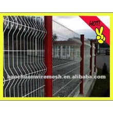 Vinly square wire mesh fence and post