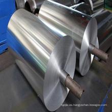 Papel de aluminio para uso alimentario.