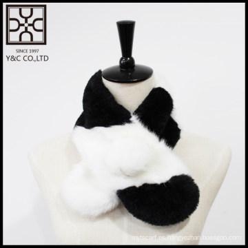 Bufanda de piel falsa negra y blanca de diseño propio