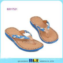Pantoufles de partie de plage de ciel bleu pour des femmes