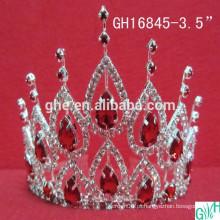 Princesa bonita da coroa da beleza
