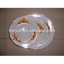 Plaques de soupe en porcelaine découpées en blanc