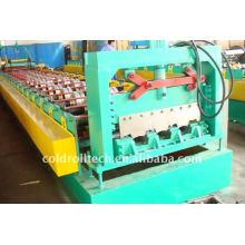 Machine de fabrication de tablier métallique en acier par profilage