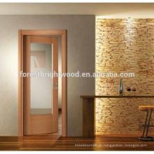 Porta de madeira de balanço interior com vidro chanfrado