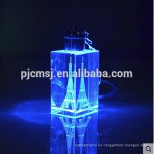 Llavero cristalino del LED con la torre Eiffel para los regalos de la promoción llavero cristalino del laser de 2015.3D