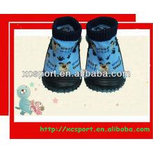 Sapatos de borracha moda único bebê meias