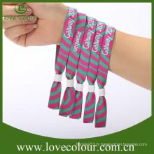 Bracelets tissés à l'aide d'échantillons gratuits de haute qualité avec des billes en plastique