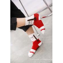 It Is Not Not Socks Ela também Art Lovely Girl Algodão Meias Usando Plait nos pés