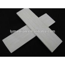 белая дверь использовать деревянные литье
