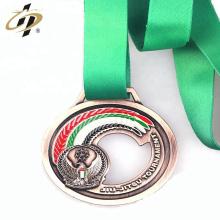 Médaille de sport en métal logo creux creux promotionnelle avec ruban