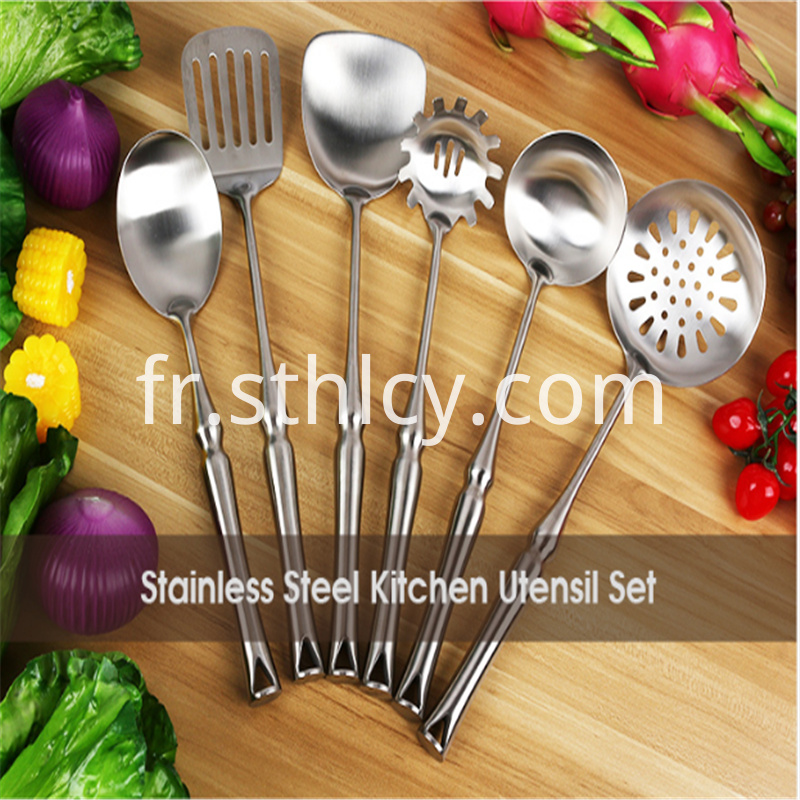 Stainless steel kitchen cutlery for family gatherings