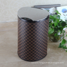 Stainless Steel Lip Leather Aotomatic Sensor Dust Bin (E-12LB)