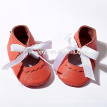 Los zapatos de bebé calzan los zapatos descalzos de los bebés de las sandalias del solo calzado de los zapatos