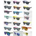 Gafas de sol promocionales baratas de plástico como regalo