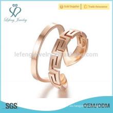 Anillos de oro rosa hechos a mano para las mujeres, el diseño de su propio anillo de campeonato