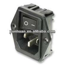 IEC-Einlass mit Schalter abgesichert