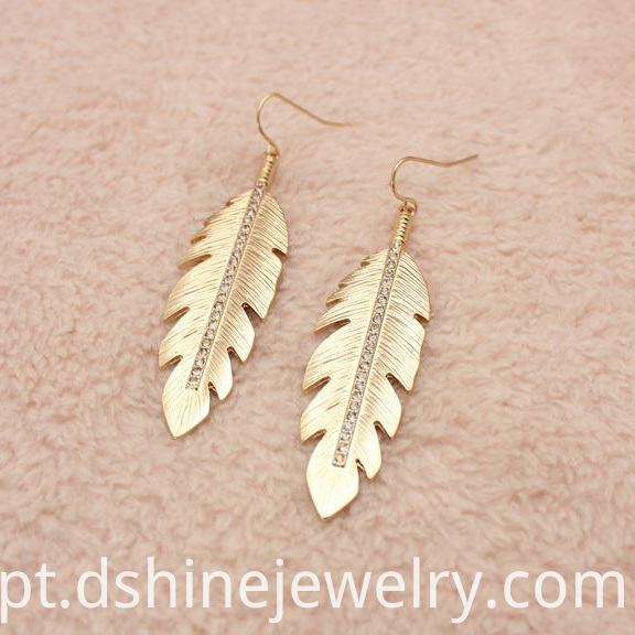 Feather Shape Earrings
