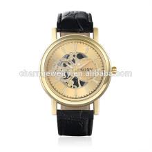 2016 neue Entwurfs-Art- und Weisegeldquarz-Weinlese-Leder-Bügel-Uhr SOXY001