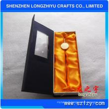 Signets en métal en gros d'OEM d'alliage de zinc avec plaqué par or