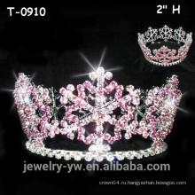 Симпатичные розовые снежинки рождественский раунд конкурса короны