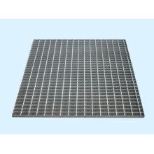Exposição com acessórios / Grating Steel / Steel System Framework