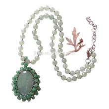 Collier vert en perles de jade vert au crochet