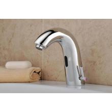Kommerzielle Toilette automatische kalte und heiße Wasserhahn