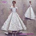 Novo estilo moderno pregas off ombro vestido de casamento sem encosto com flores em 3D e flare dez saia de comprimento