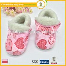 Fabricante novo estilo chegada atacado bebé botas de inverno barato