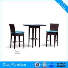 O suporte de alumínio protege a mesa de jantar de dois Seaters