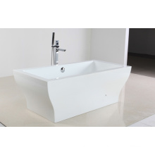 Белая акриловая ванна в стиле Freestandy