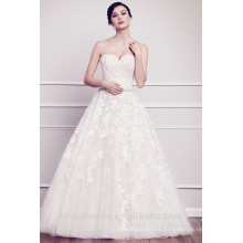 Fashionable Ball Gown Sweetheart Lace Appliqued Wedding Dress 2015 White Tulle Court Train Vestido De Noiva Longo
