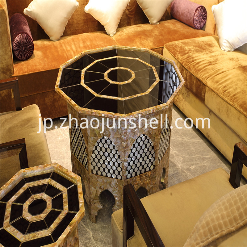 penguin shell table